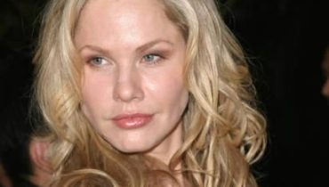 Andrea Roth wiki